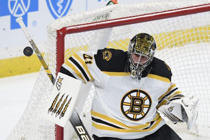 Halák má vo vrecku novú zmluvu v zámorskej NHL, v klube Boston Bruins ostane aj ďalšiu sezónu