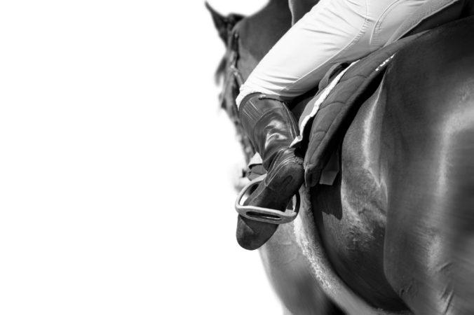 Zomrel len 38-ročný Tomáš Hurt, úspešný džokej a tréner prišiel o život po páde z koňa