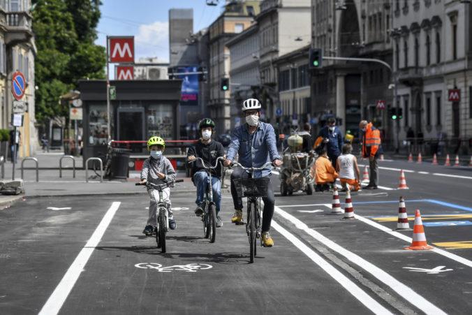 V Taliansku uvoľňujú ďalšie opatrenia, od pondelka môžu ľudia vyraziť do parkov a pohostiť sa v reštauráciách