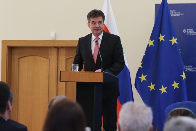 Slovensko má v Európskej únii výtlak, podľa Valáška za to môžu Lajčák a Bilčík