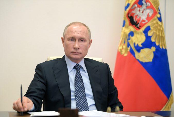 Vladimír Putin udelil Kim-Čong unovi spomienkovú vojenskú medailu na počesť 75. výročia víťazstva nad fašizmom