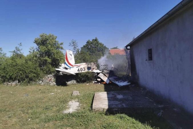 Chorvátsky minister obrany prijal zodpovednosť a odstúpil po tragickej nehode lietadla