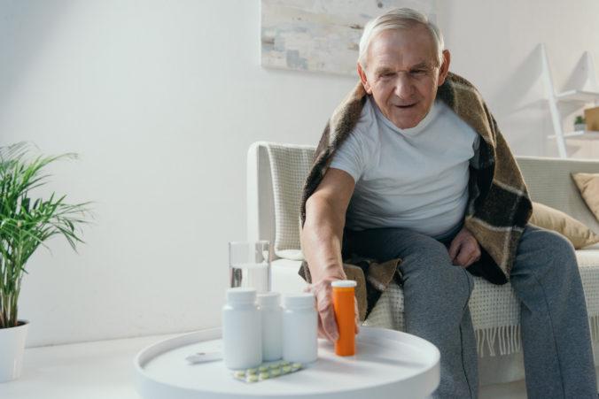 Do nemocníc a domovov dôchodcov mieri 8 400 litrov dezinfekcie