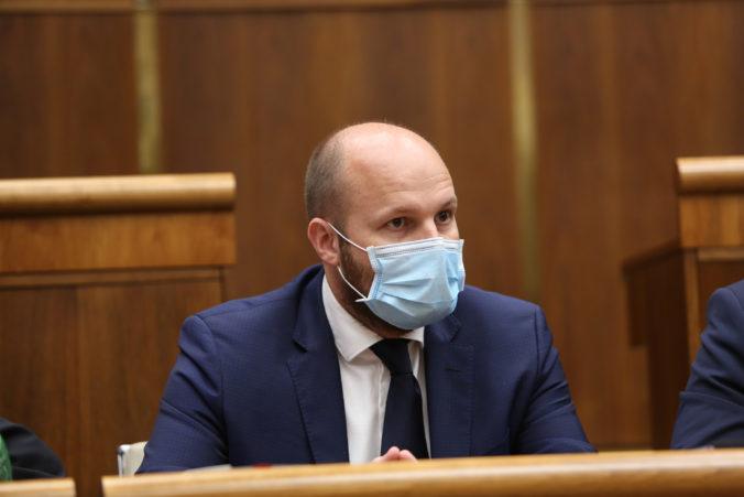 Minister Naď v prípade Galka odmieta politikárčenie, premiér Matovič sa vyjadril aj k odstúpeniu Mamojku