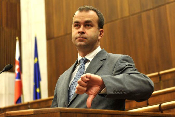Ak skončil Mamojka ako ústavný sudca, tak z politiky by mal odísť aj Sulík, tvrdí smerák Podmanický