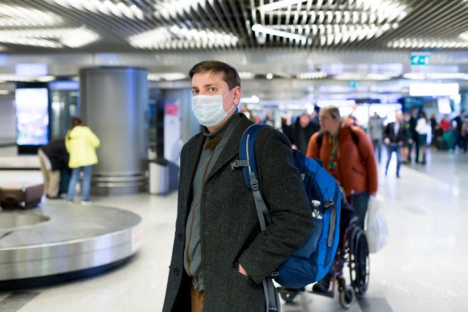 Pobalstské štáty rušia cestovné obmedzenia, povinná karanténa však ostáva naďalej v platnosti