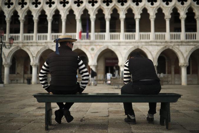 Taliansko uvoľňuje cestovné obmedzenia, postupne povolí aj cesty do zahraničia