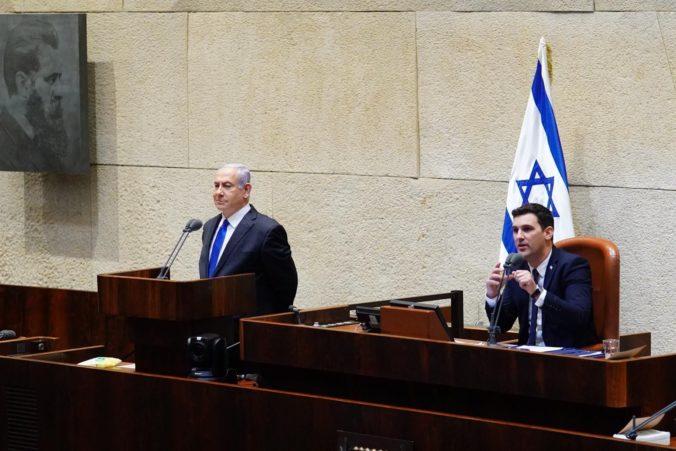 Nová izraelská vláda zložila prísahu, Netanjahua na poste premiéra vystrieda Ganc