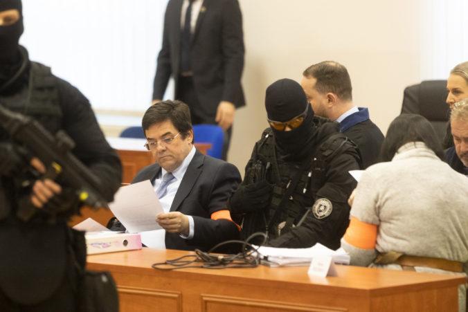 Súd v kauze vraždy Kuciaka (16. deň): Na pojednávaní sa majú čítať aj komunikácie obžalovaných z Threemy