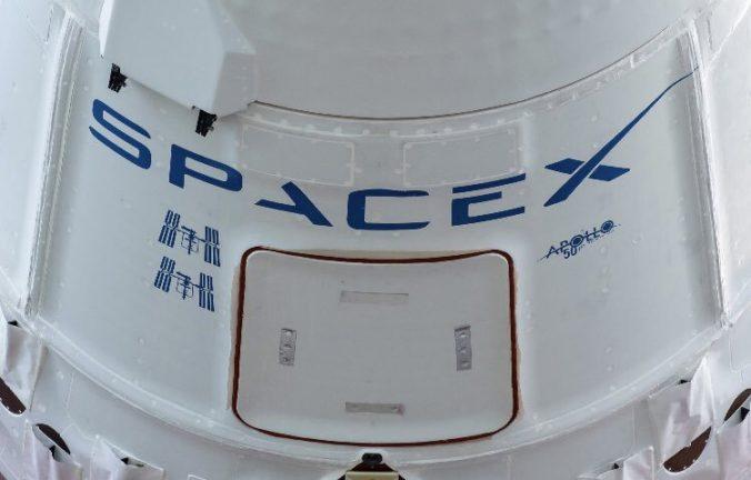 Šéf projektu NASA Doug Loverro rezignoval a to len týždeň pred odletom astronautov na ISS