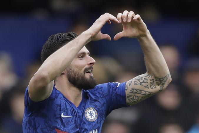 Francúzsky útočník Olivier Giroud z Chelsea neodchádza, s klubom podpísal nový kontrakt