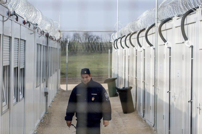 Maďarsko po zásahu Súdneho dvora EÚ zatvára tranzitné zóny pre azylantov na srbskej hranici