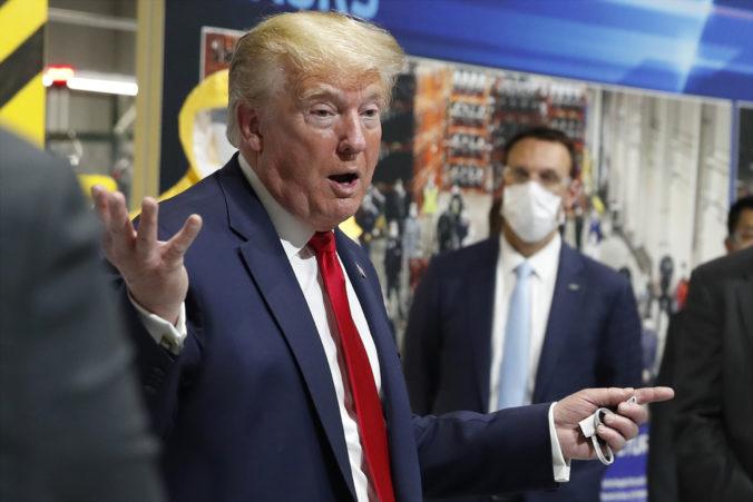 Trump opakovane zaútočil na vedcov, ktorí počas pandémie nezdieľajú jeho názory