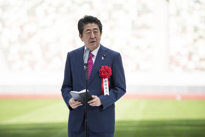 Vakcína proti koronavírusu je kľúčová pred konaním olympiády v Tokiu, tvrdí japonský premiér