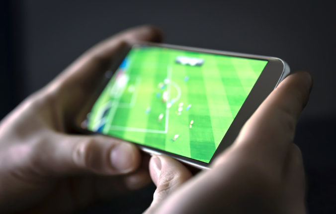 Japonci vymysleli aplikáciu pomocou ktorej môžu futbaloví fanúšikovia povzbudzovať svoj tím na diaľku