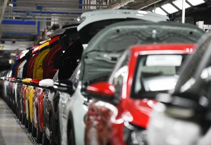 Trnavská automobilka bude vyrábať naplno, vráti sa do štandardného režimu
