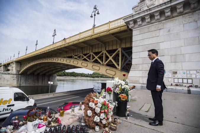 Od potopenia lode Hableány na Dunaji ubehol rok, telo jednej turistiky stále nenašli