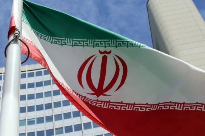 Spojené štáty uvalili na Irán sankcie, krajina však bude vo vývoji jadrového programu ďalej pokračovať