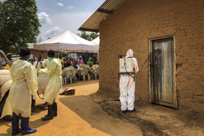 V Kongu sa znovu začala šíriť ebola, krajina okrem toho bojuje aj s koronavírusom a s osýpkami