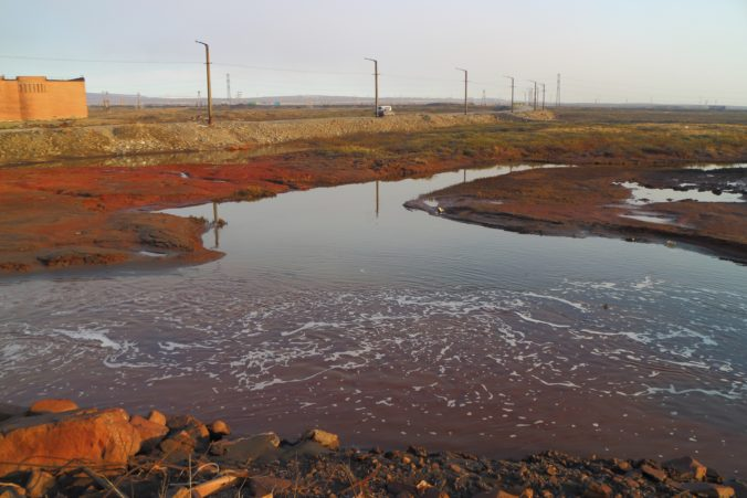 Motorová nafta z elektrárne v sibírskom meste Noriľsk prenikla do arktického jazera Piasino