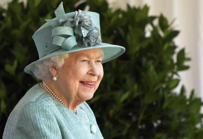 Oslava narodenín kráľovnej Alžbety II. je menšia ako zvyčajne