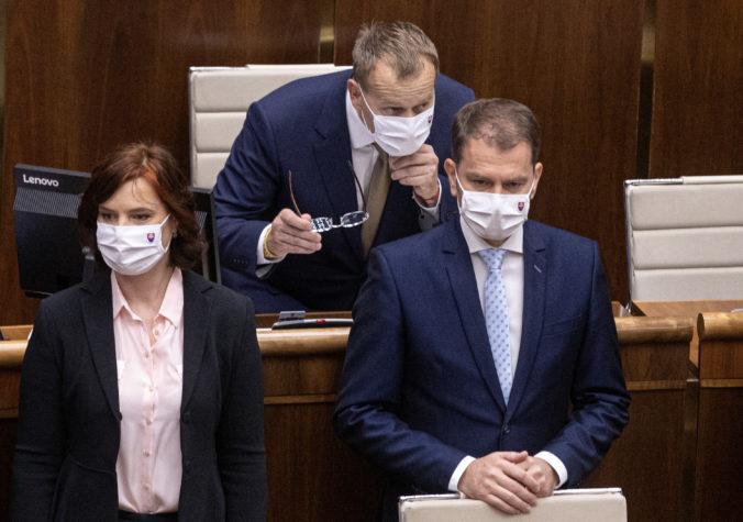 Matovič a Kollár sa obávajú zneužitia dôvodov na odvolanie generálneho prokurátora, ale Dostál má iný názor