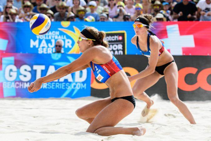 Plážové volejbalistky majú olympiádu na dosah, prišli však o manažéra a museli si nájsť prácu