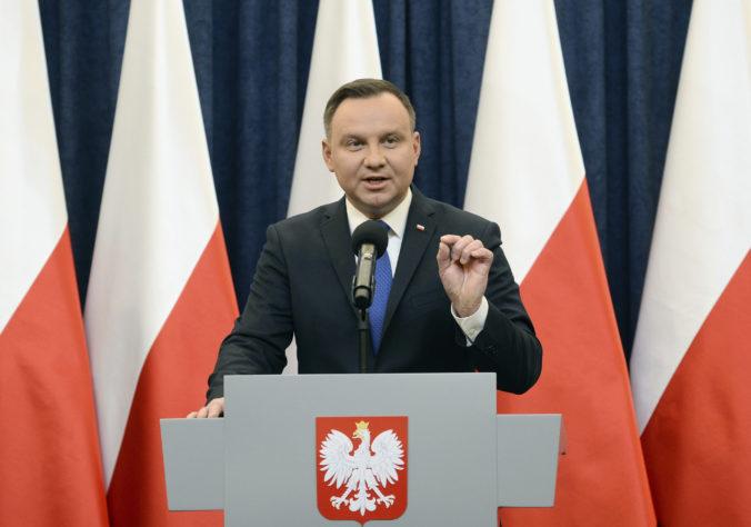 Poľský prezident Duda počas kampane zaútočil na LGBT ľudí, vyslúžil si kritiku eurokomisie
