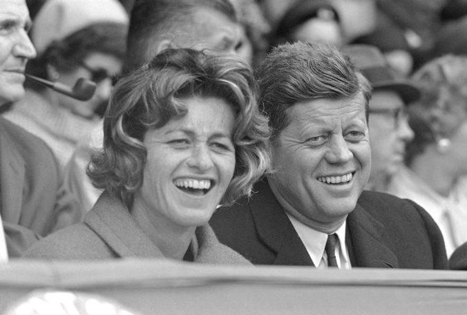 Zomrel posledný žijúci súrodenec prezidenta Kennedyho, sestra Jean Kennedy Smith sa dožila 92 rokov