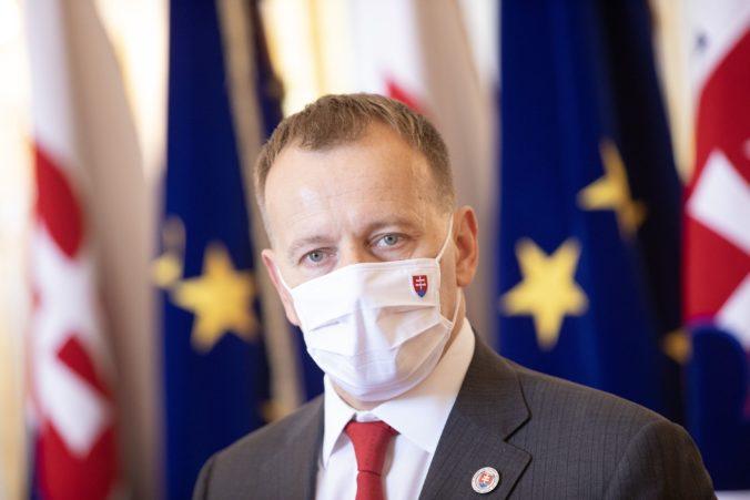 """Výber európskej frakcie je záležitosťou hnutia Sme rodina, Kollárovi do toho nikto nebude """"kecať"""""""
