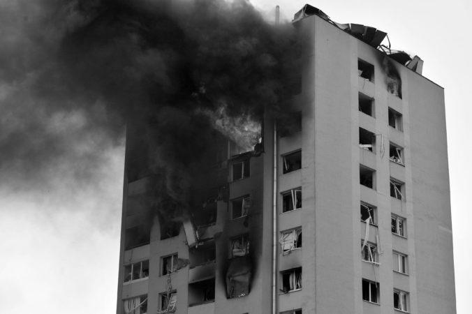 Výbuch bytovky v Prešove má oficiálne ďalšiu obeť, súd vyhlásil nezvestnú ženu za mŕtvu