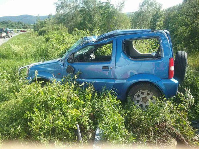 Pomoc záchranárskeho vrtuľníka si vyžiadala tragická nehoda v okrese Sabinov
