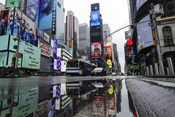 New York obnovil reštrikčné opatrenia, zaviedol karanténu pre osem amerických štátov