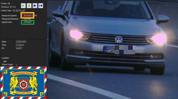 Muž poriadne dupol na plyn na rýchlostnej ceste R1, pokute 800 eur však už neutiekol