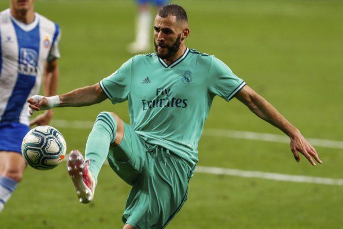 Benzema vykúzlil lahôdkovú prihrávku a Real má na čele La Ligy dvojbodový náskok pred FC Barcelona (video)