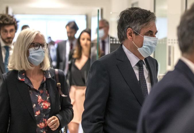 Bývalého francúzskeho premiéra uznali vinným zo sprenevery, Fillon platil manželke a deťom