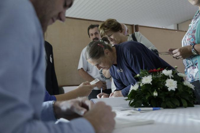 Ukrajincov žijúcich na Dombase hromadne zvážajú do Ruska, majú odvoliť v Putinovom referende