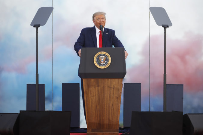 """Trump využil svoj príhovor ku Dňu nezávislosti na vyzdvihnutie """"pokroku"""" krajiny v boji proti koronavírusu"""