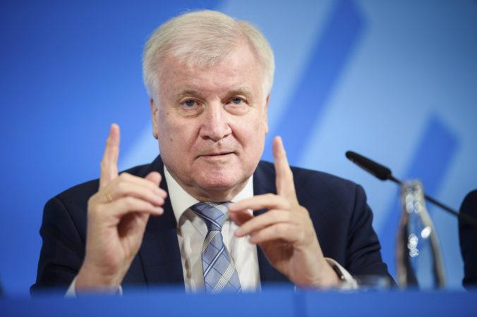 Nemecký minister vnútra Seehofer odmietol štúdiu rasového profilovania políciou