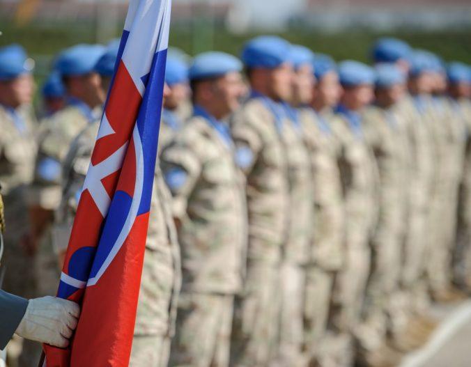 Slovenskí profesionáli zarábajú o 48 percent viac ako iní vojaci v NATO, ale výdavky na prevádzku sú nízke