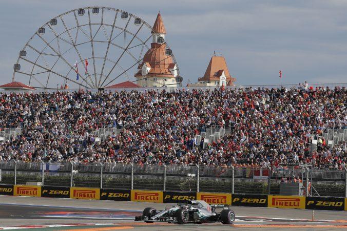 Jubilejné preteky formuly 1 sa pôjdu na trati vlastnenou Ferrari, potvrdili aj podujatie v Soči