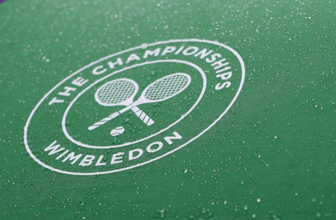 Tenisti neostanú po zrušení Wimbledonu bez odmeny, organizátori rozdajú milióny libier