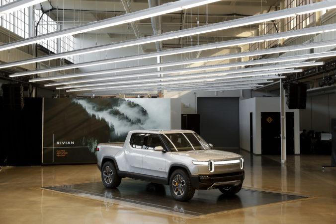 Výrobca elektromobilov Rivian získal nové investície vo výške dva a pol miliardy dolárov