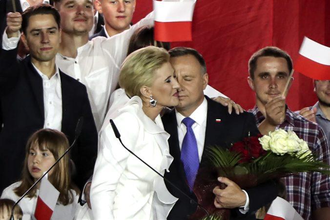 Prezidentské voľby v Poľsku vyhral Duda, tesný výsledok odráža hlboké kultúrne rozdiely v krajine