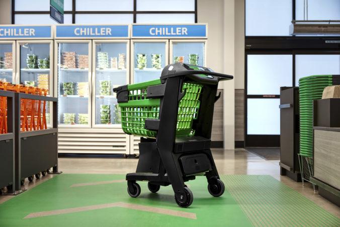 Amazon predstavil inteligentný nákupný košík, zákazníci nemusia stáť v rade pri pokladni