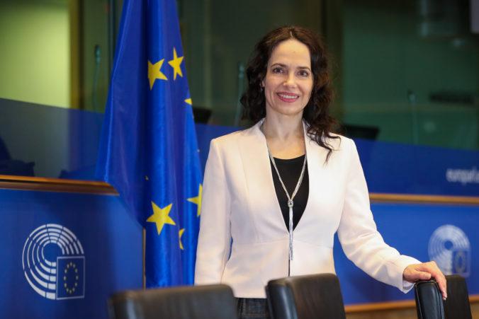 Materská dovolenka má byť zohľadnená v dôchodku, Lexmann podnietila Európsky parlament