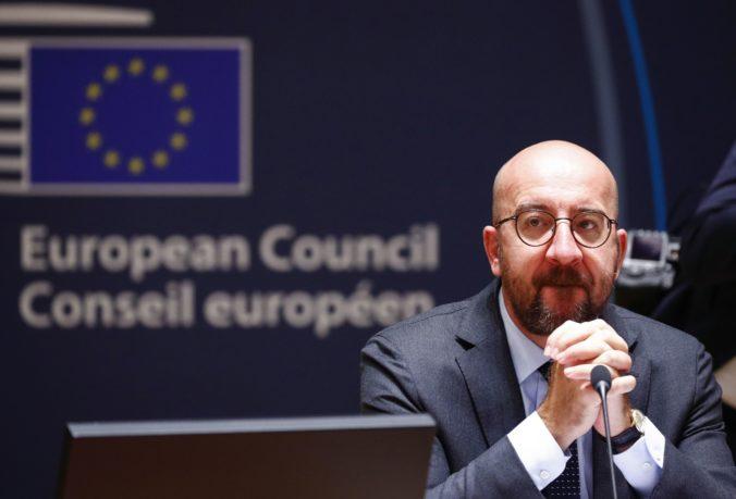 Šéf Európskej rady na summite EÚ navrhol zmenšiť objem grantov z fondu obnovy o 50 miliárd eur