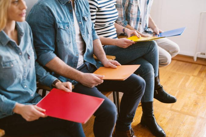 Krajniak podporí mladých nezamestnaných, novým projektom vytvorí asi tisíc pracovných miest