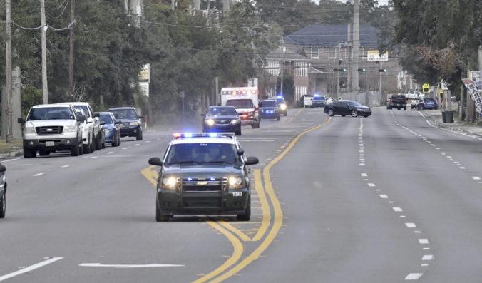 Policajná naháňačka skončila dolapením len 12-ročného chlapca, ukradol auto a niekoľkokrát s ním nabúral