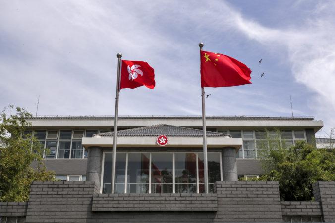 Veľká Británia pozastavila pre kontroverzný zákon dohodu s Hongkongom o vydávaní páchateľov